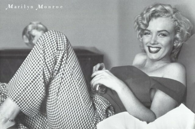 MARILYN MONROE ~SMILING IN BED 24x36 POSTER NEW/ROLLED!