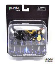 Aliens Minimates Deluxe Queen Alien with Warrior Alien & Battle Damaged Bishop