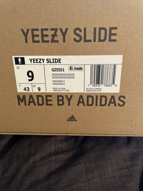 yeezy slide GZ551 size 9 Resin