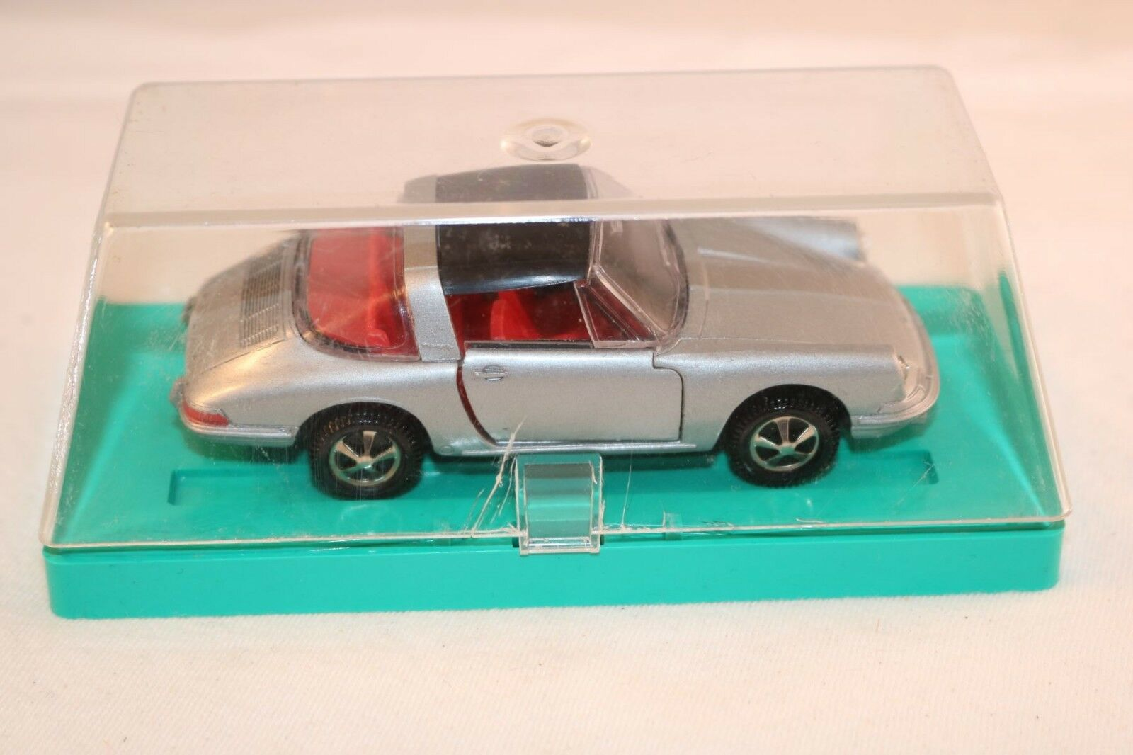 Marklin 1800 Porsche 911 Targa silber Gris mint in in in box all original condition 424054