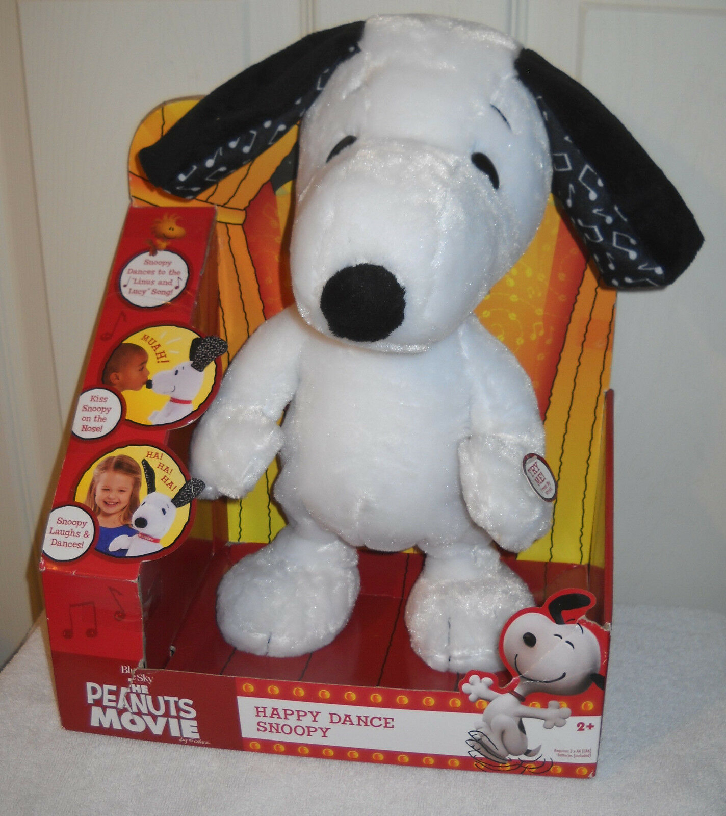 NRFB Just Play the Peanuts Movie Happy Dance Snoopy