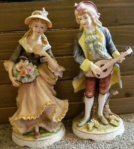 Vintage-Victorian-Couple-Classic-Gallery-Collection-6642-Figurines-Napcoware