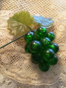 Vintage-Millinery-Grapes-Hat-Lucite-Acrylic-Green-Floral-Craft-Supplies