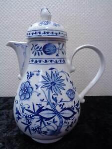 GDR-Kahla-Design-Porcelain-Coffee-Pot-Onion-Pattern-Vintage-around-1970-1-3-L