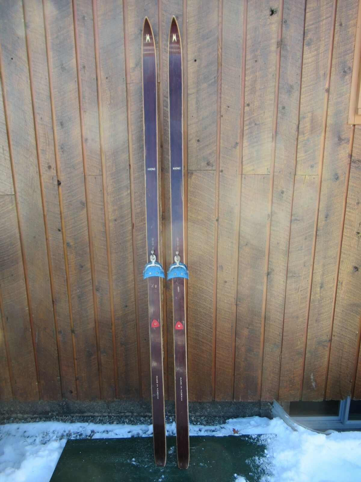 GREAT OLD 83  Wooden Skis With Original BEAUTIFUL  DARK BROWN Finish + Bindings  gorgeous