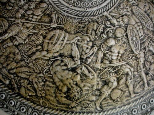 Antique Finish Roman Battle War Shield Wall Decor Soldiers Horses Plaque