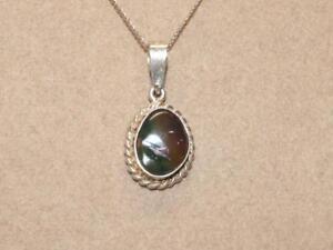 Vintage-PETITE-Sterling-Silver-Rope-amp-Austrailian-Boulder-Opal-Pendant-Necklace