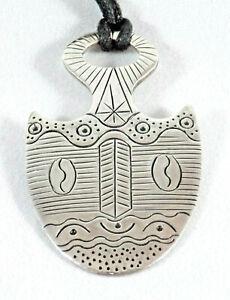 Indianerschmuck-Anhaenger-breite-Pfeilspitze-mit-Motiv-925-Sterling-Silber-Neu