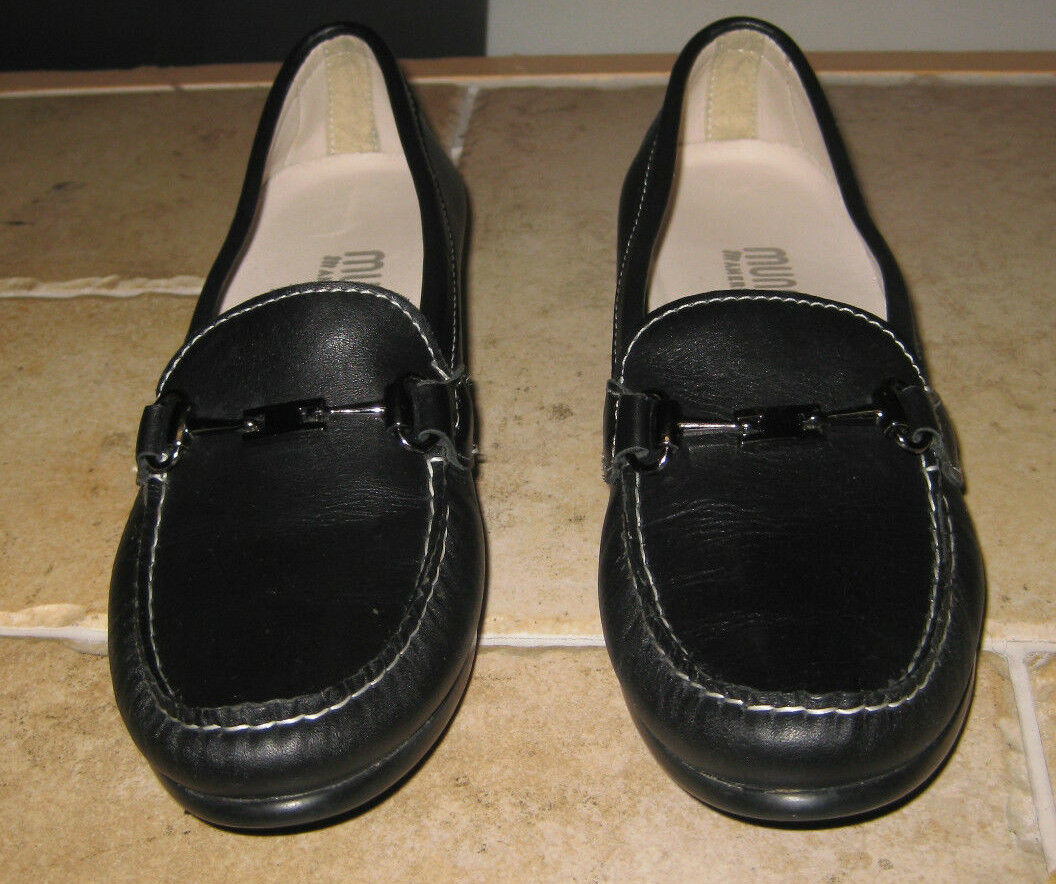 Munro Women's Black Leather Loafer M555081 Size 7 N