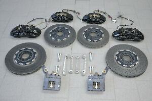 Aston-Martin-Vantage-Carbon-Ceramic-Bremsscheibe-Bremssattel-Brake-Disc-Calipers