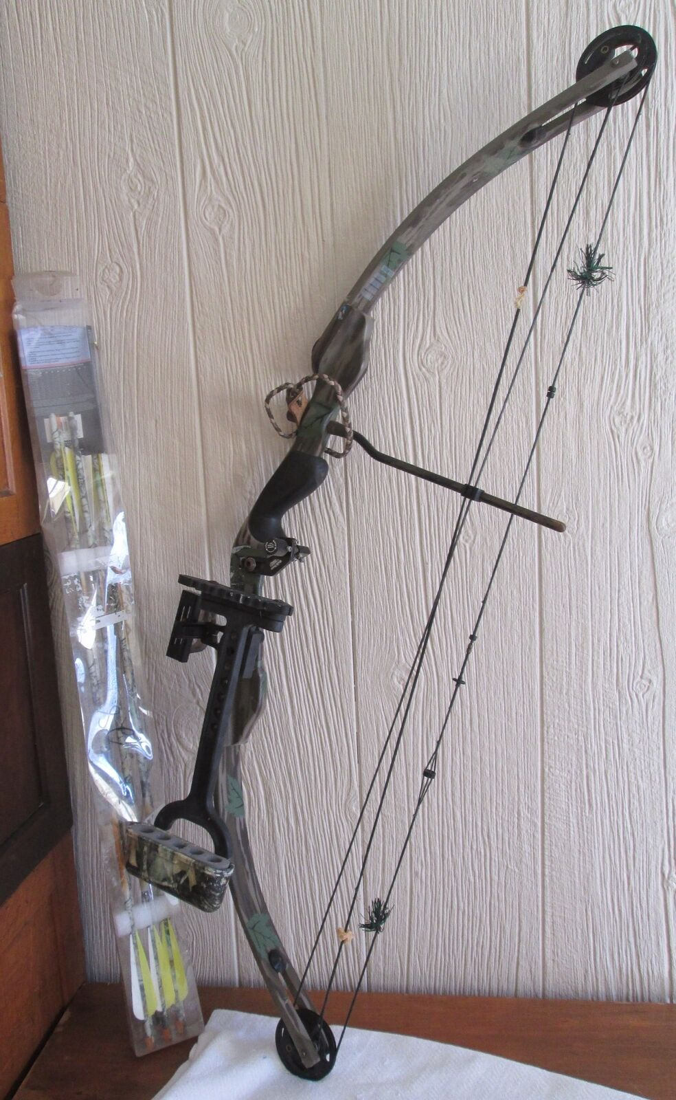 Continental Archery Compound Hunting Bow with Arrows