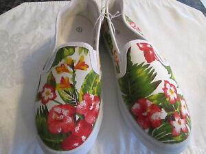 0ce18e8e919 Girls NWT Canvas Flower Design Shoes Slip-on s Size 3   Bobby Brooks ...