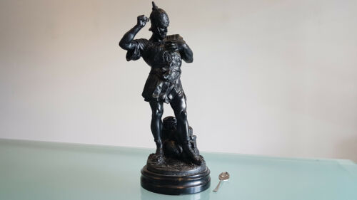 OLD CAST METAL STATUE OF A GRECIAN WORRIOR. 43cm HIGH WEIGHS 3kg. NICE ONE!