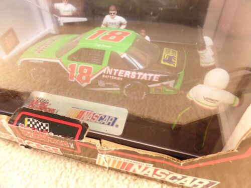 1992 Racing Champions 1:24 NASCAR Pit Stop Show Case Dale Jarrett Interstate a