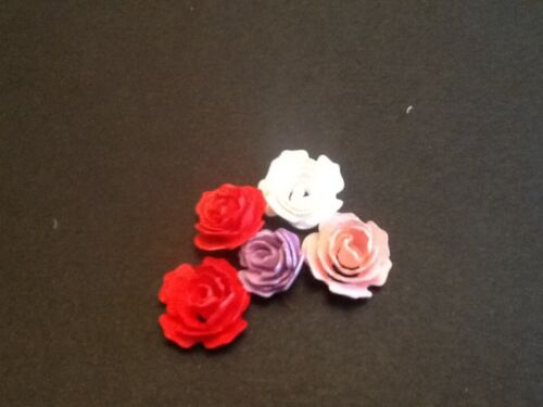 **FREE UK POSTAGE** Flat for you to roll 72 x die cuts Mini rolled Roses
