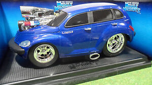 CHRYSLER-PT-CRUISER-bleu-1-18-MUSCLE-MACHINES-61186-voiture-miniature-collection