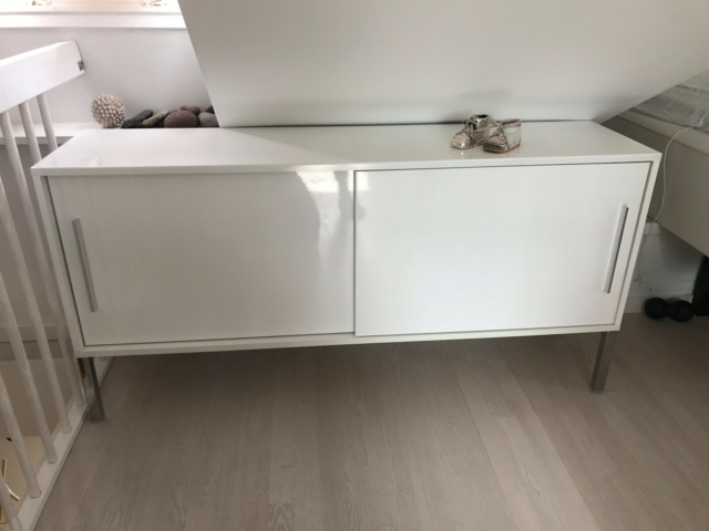 Anden reol, IKEA, b: 170 d: 40 h: 60, Nypris: 1700kr,…