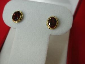 14K-YELLOW-GOLD-STUDS-WITH-SET-GARNETS-PRETTY-RED-STONES