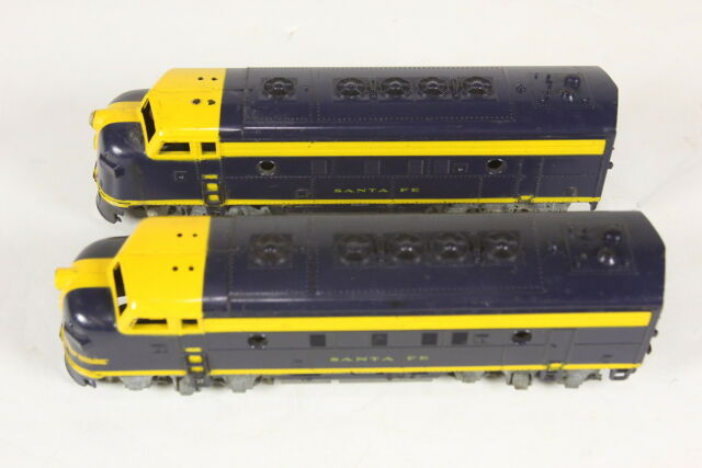 Lot of 2 HO Scale Santa Fe Blue Yellow Engines Athearn