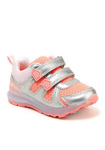 Carters Kids Shelby Boys and Girls Light-Up Sneaker Carter/'s