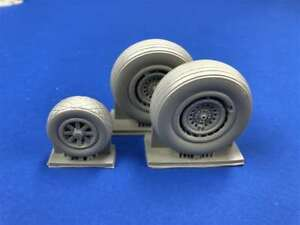 NEW-B-24-Liberator-Super-Detail-Spoked-Wheels-1-32-True-Details-32218
