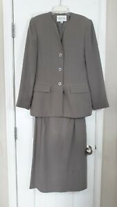 Executive-Collection-Women-039-s-Skirt-Suit-Long-Sleeves-Light-Brown-Size-8