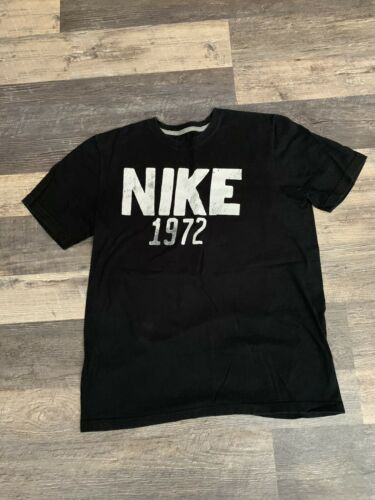 Men's NIKE 1972 Medium Black T-Shirt