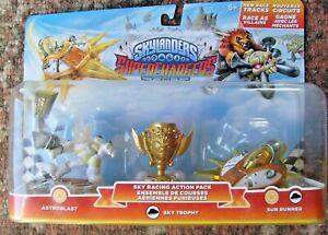 SKYLANDERS-SUPERCHARGERS-Astroblast-Trophy-amp-Sun-Runner-pack-NIB