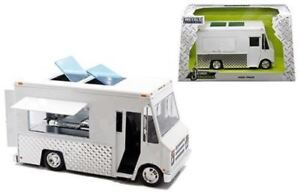 Jada-1-24-W-B-Metals-Just-Trucks-Food-Truck-MiJo-Exclusives-Diecast-Car-30211