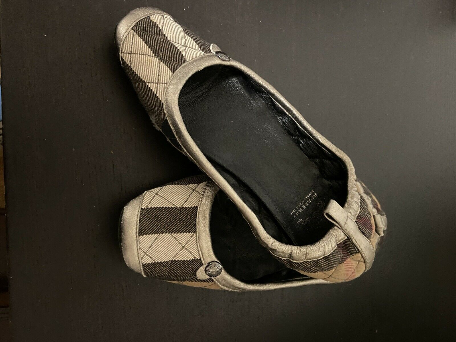 Burberry Women's Slippers SIZE 5 - image 3