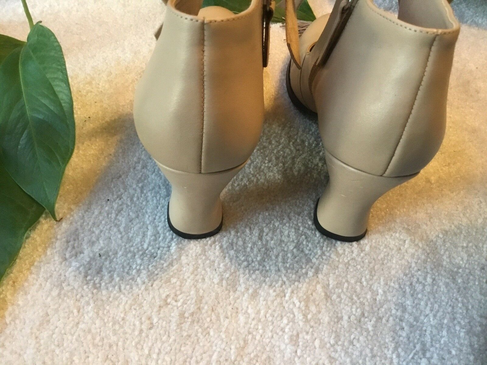Mojo Moxie Women's 8M Tan Leather Bow Bow Bow Heels 78795b