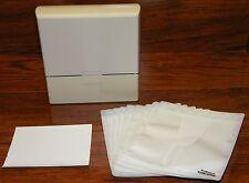 Case Logic Hard Shelled Beige Plastic CD DVD Blu Ray Disc Sleeve Case Holder