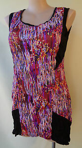 New-Black-print-top-EVERSUN-size-20-NWT-sleeveless-crinkle-fabric-dipped-hem