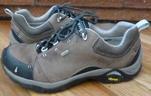 AHNU Montara II Waterproof Hiking Shoes Vibram Soles Brown Size 9.5 GUC