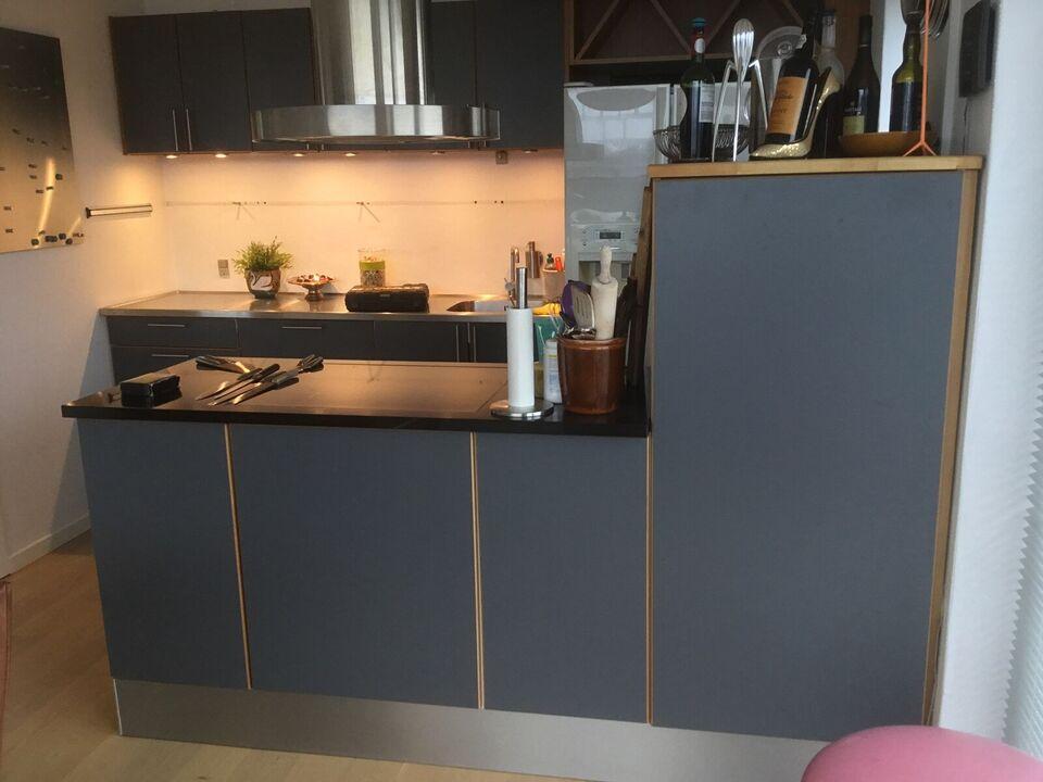 Køkken sælges-grå linoleumslåger, kirsebærtræ