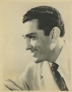 à identifier  Vintage silver print Tirage argentique  18x24  Circa 1950