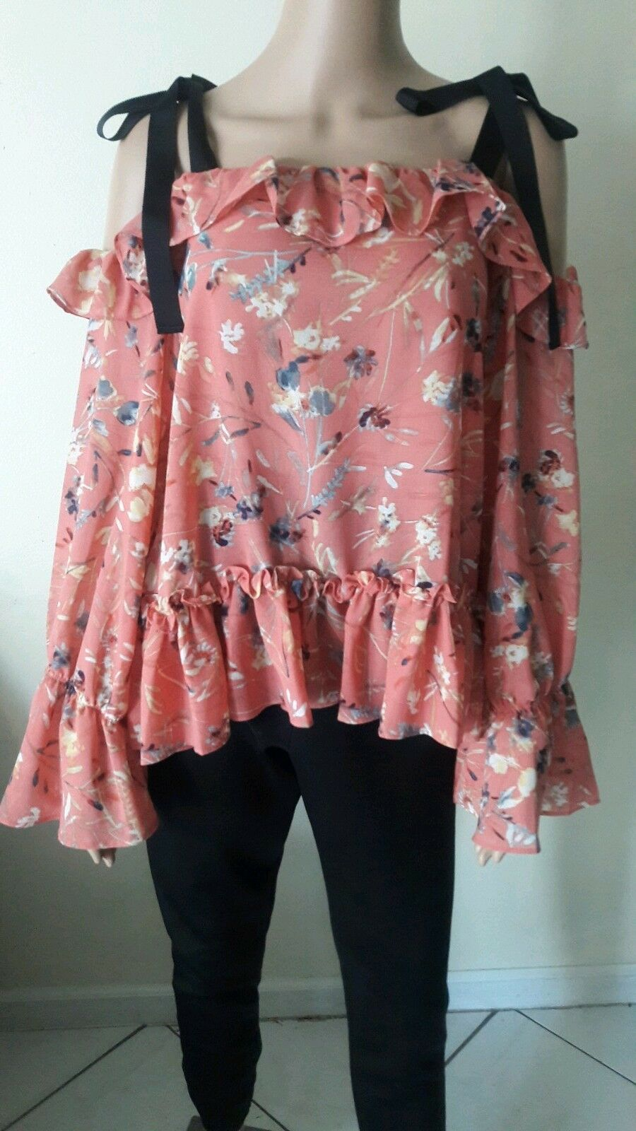William Rast  Blouse Floral Top  Sz L Junior Cold Shoulder Ruffle   A-3n
