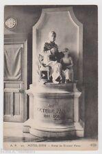 """CPA """" HOTEL DIEU - Statue du Docteur Panas"""