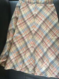 Vintage-1970s-Does-1940s-Checkered-Pastel-Wool-Medium-Size-Midi-A-Line-Skirt