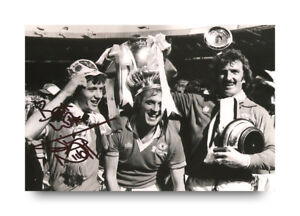 Jimmy-Nicholl-Signed-6x4-Photo-Manchester-United-Autograph-Memorabilia-COA