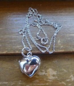 "Sterling Silver 925 Heart Locket Pendant Necklace 16//18//20/"" Jewellery Gift UK"