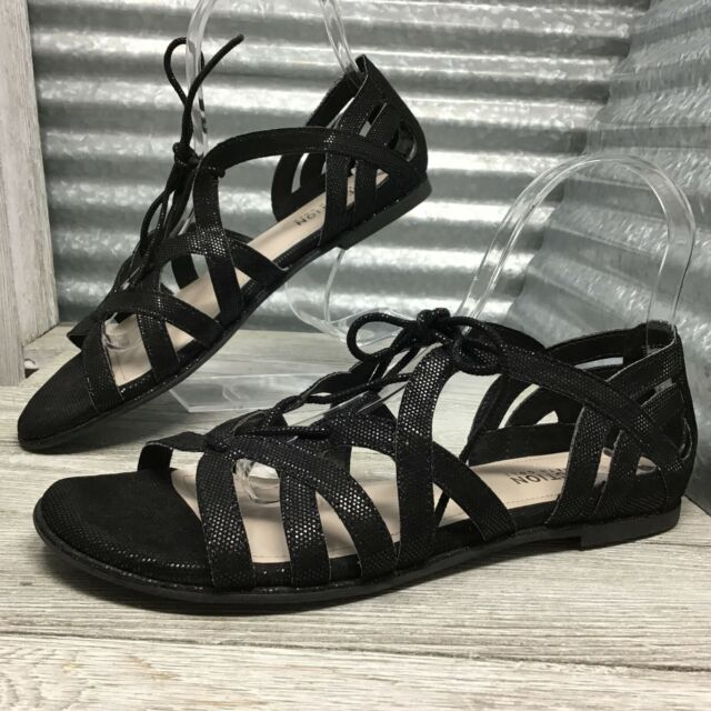Reaction Kenneth Cole Women's Gladiator Sandel Black Sheen Flats Size 7.5