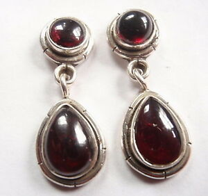 Red-Garnet-925-Sterling-Silver-Stud-Earrings-with-Grooved-Accents