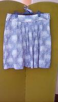 Ladies skirt, Pure, size16,  silk, grey/ white..