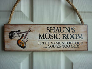 OWN-NAME-MUSIC-ROOM-SIGN-OWN-WORDING-BASS-GUITARS-ACOUSTIC-ELECTRIC-GUITARS-GIFT