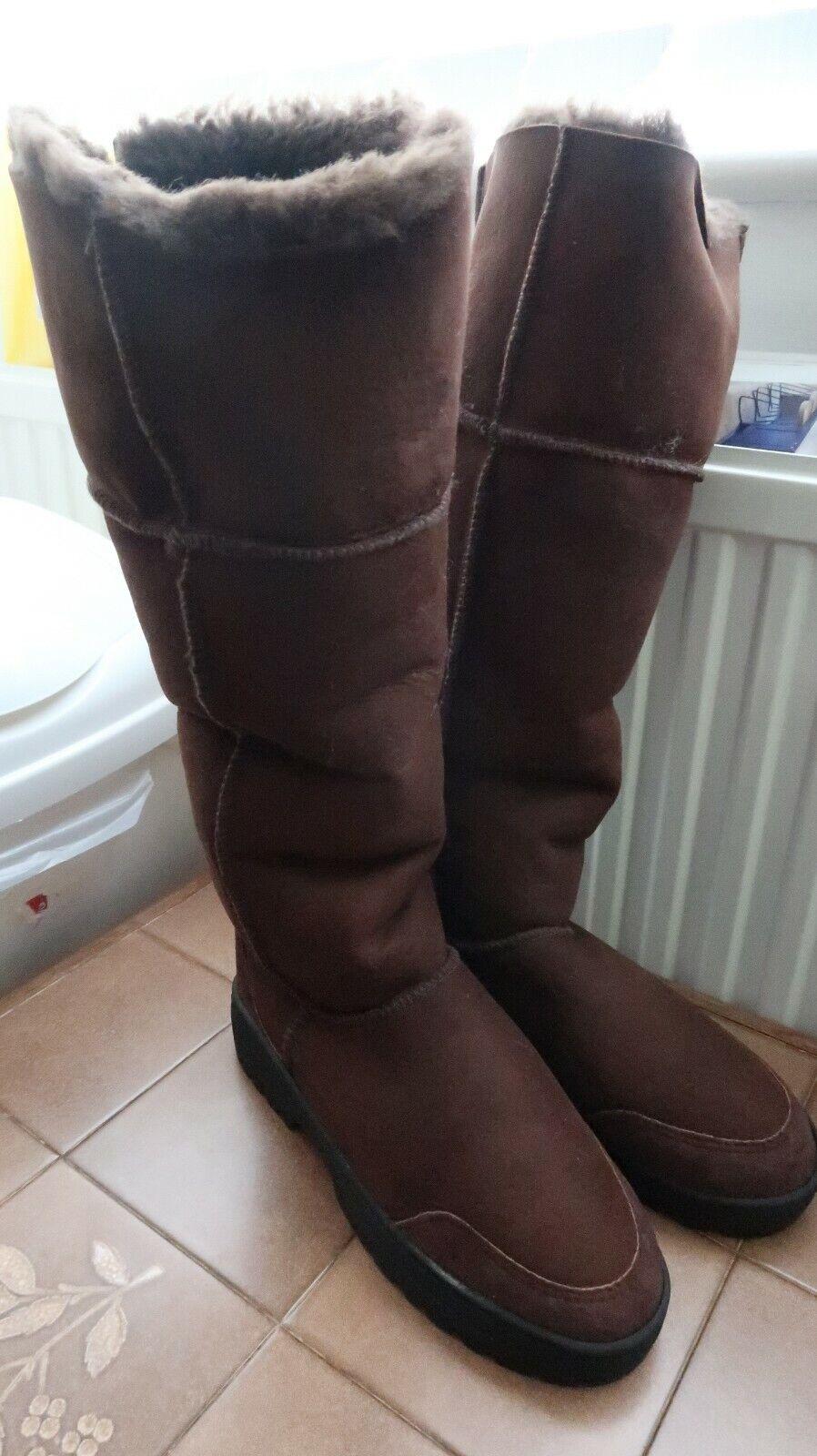 Musketeer Ultimate Sheepskin Boots Chocolate - UK 6