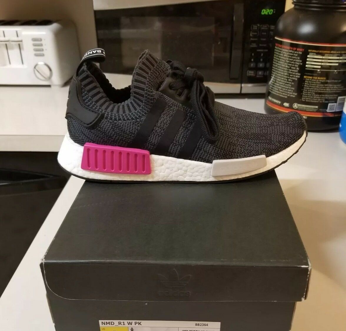 New 9.5 Women's Adidas NMD R1 PK Primeknit Running Training Casual shoes Black