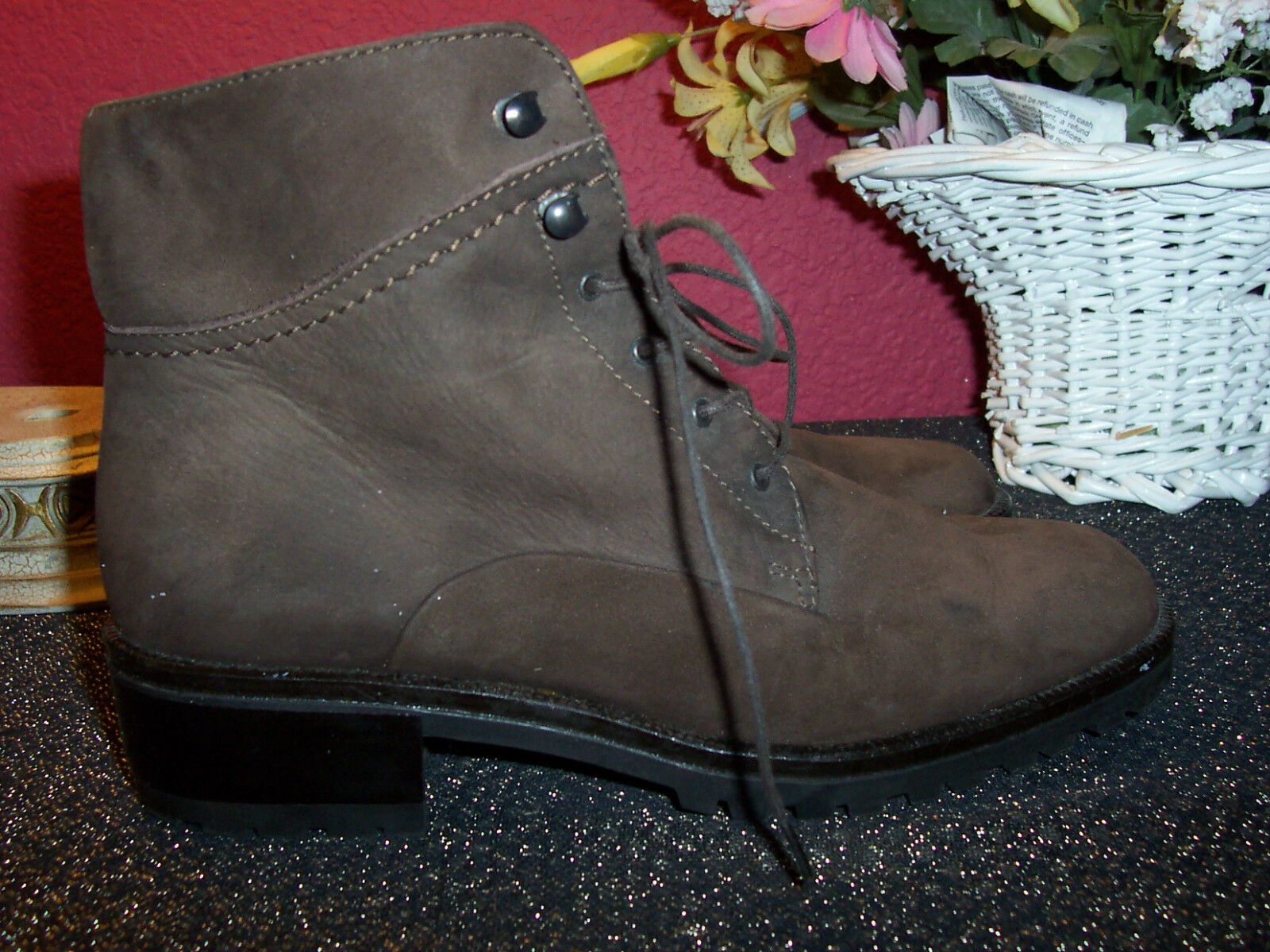 BALLY ITALY size 35M brown suede or nubuck ankle lace up boots new no box