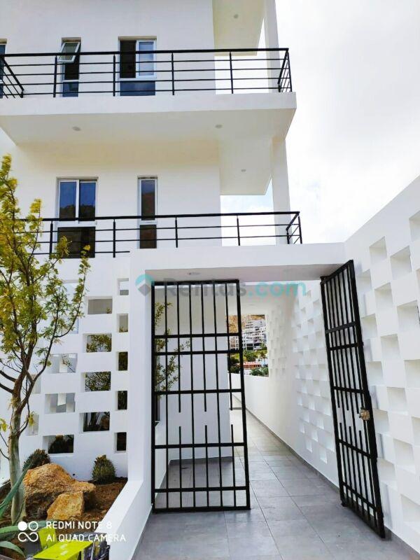 2 Rec. Amueblado, Luxótica, Roof deck común