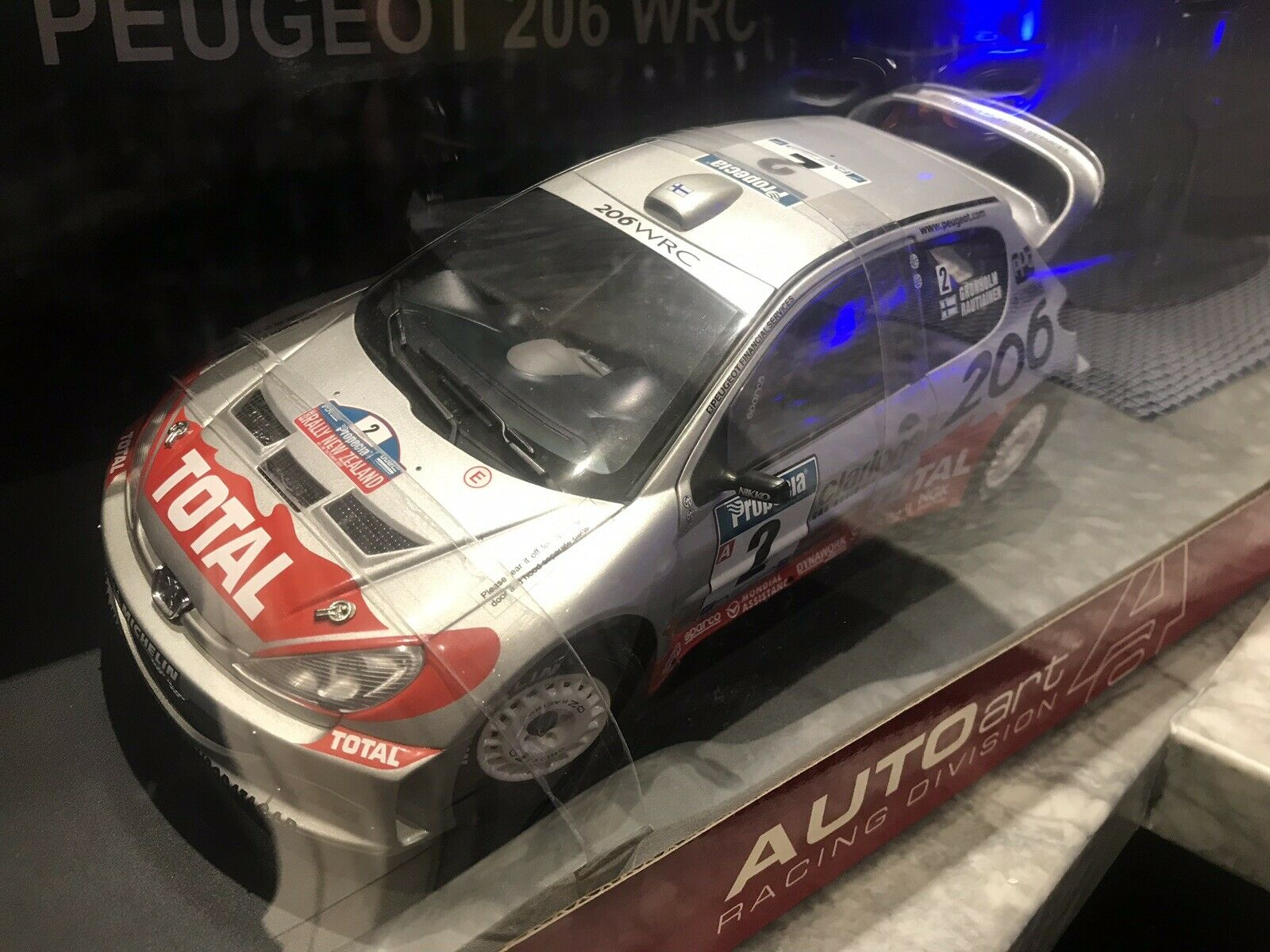 mejor vendido 1 1 1 18 Autoart Peugeot 206 WRC 2002 M. GRONHOLM T. Rautiainen  2 ganador Nueva Zelanda  exclusivo